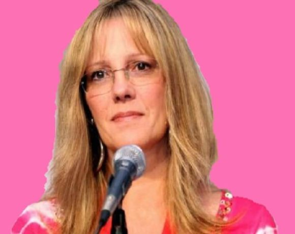 How old is Wendy Schaal Bio, Net Worth, Family 2019